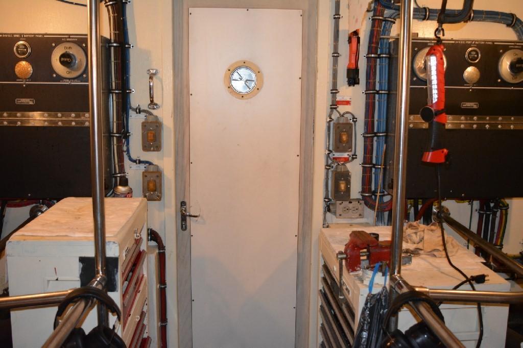 Hatteras 70 Motor Yacht - Engine Room 5
