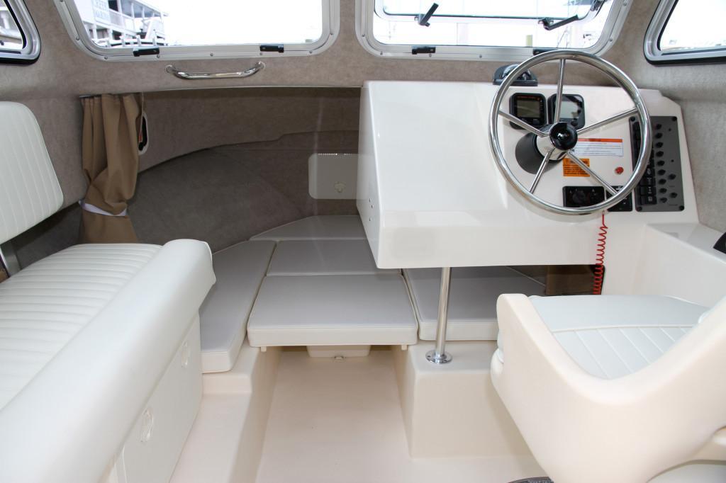 Parker2320 SL Sport Cabin