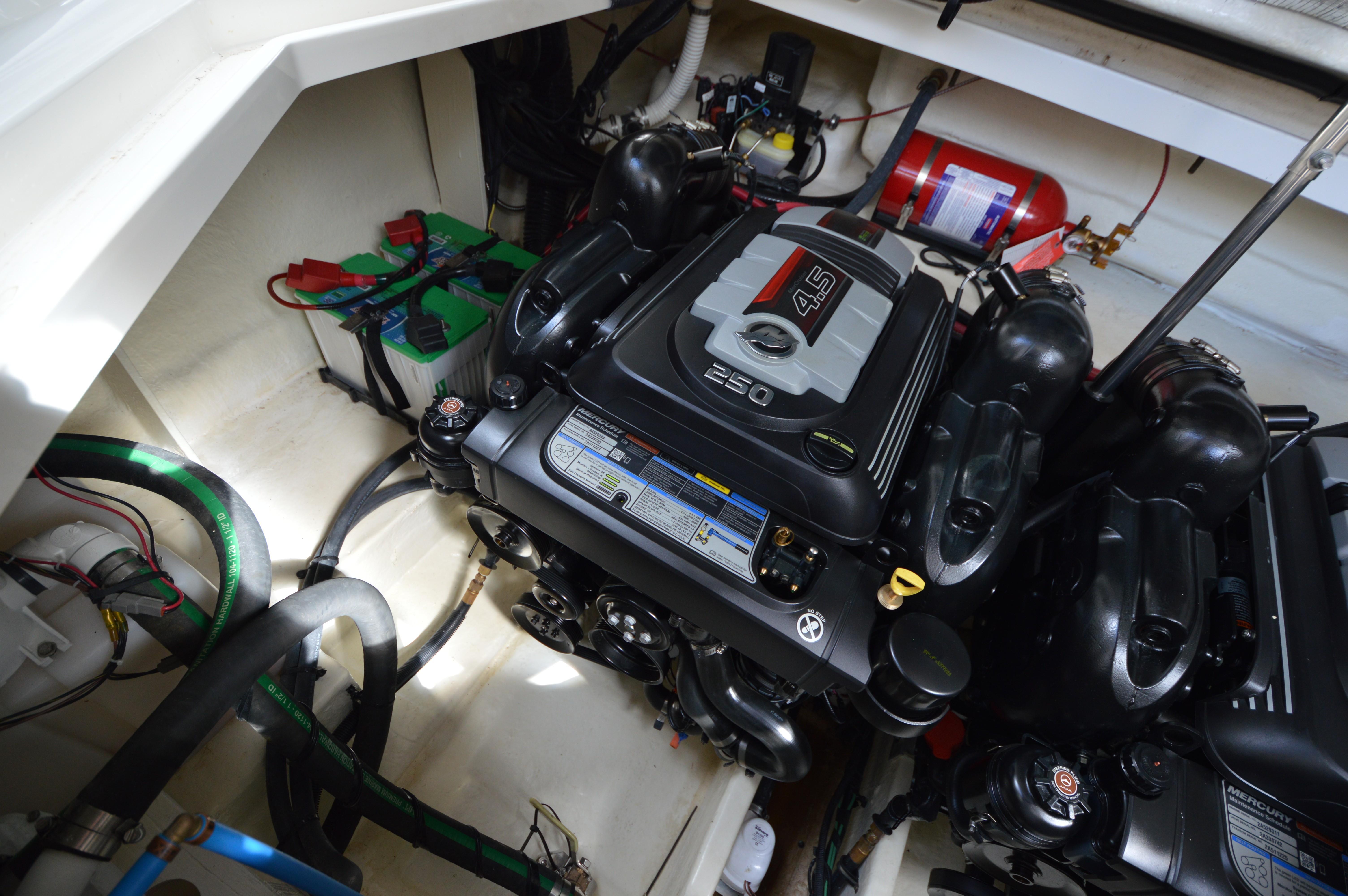 2017 Sea Ray 31 Sports Cruiser Hmy Yacht Sales Mercury Smartcraft Speedometer Gps Wiring 310 Sundancer