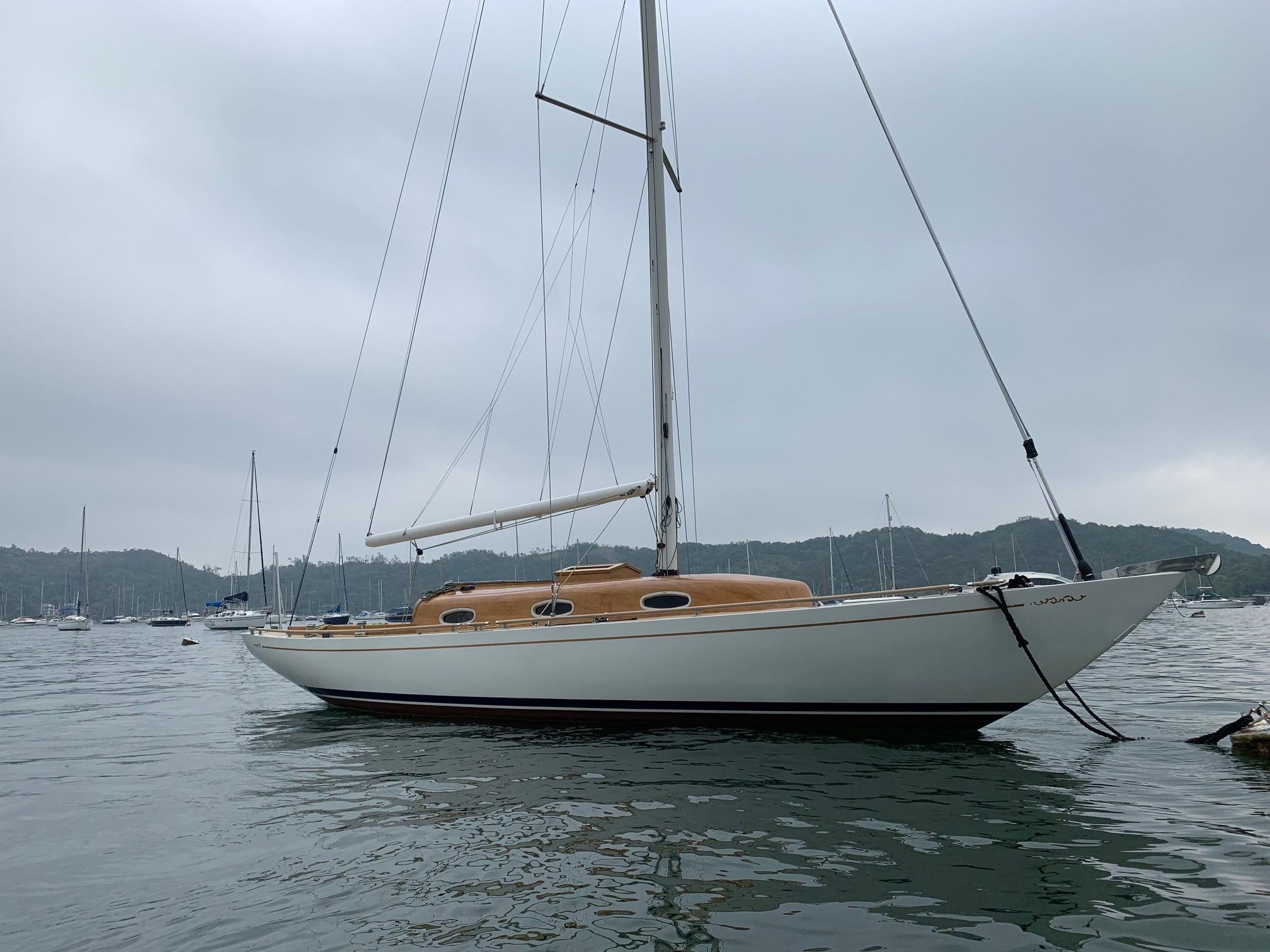 Cheoy Lee Offshore 36 - Starboard Profile