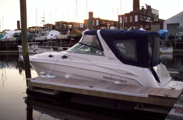 28' Monterey 282 Cruiser