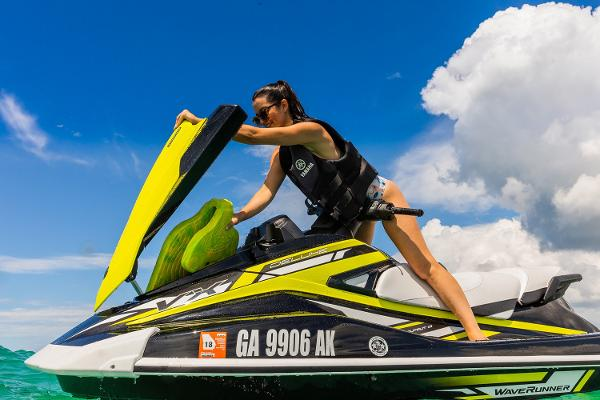 2019 Yamaha boat for sale, model of the boat is VX Deluxe & Image # 7 of 14