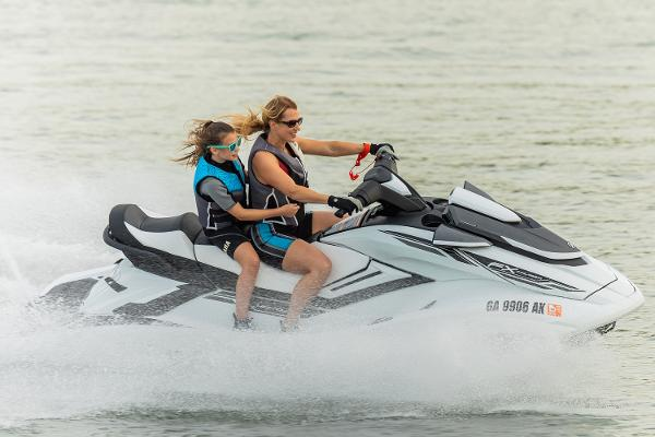 2019 Yamaha boat for sale, model of the boat is FX Cruiser HO & Image # 4 of 13