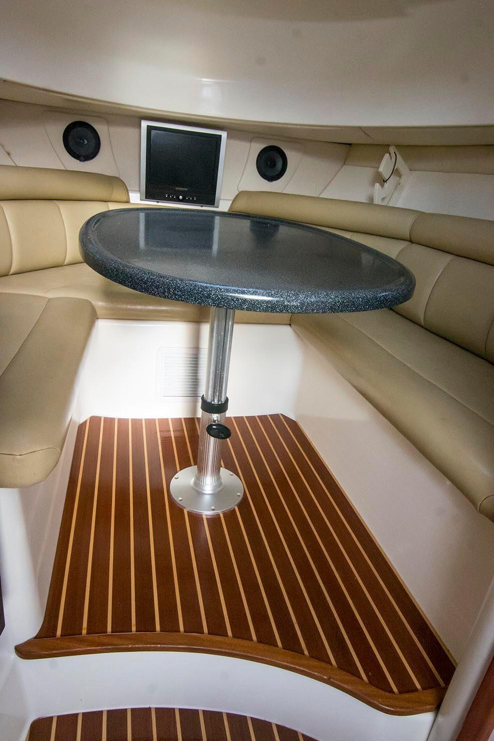 Boston Whaler 305 Conquest - Photo: #16
