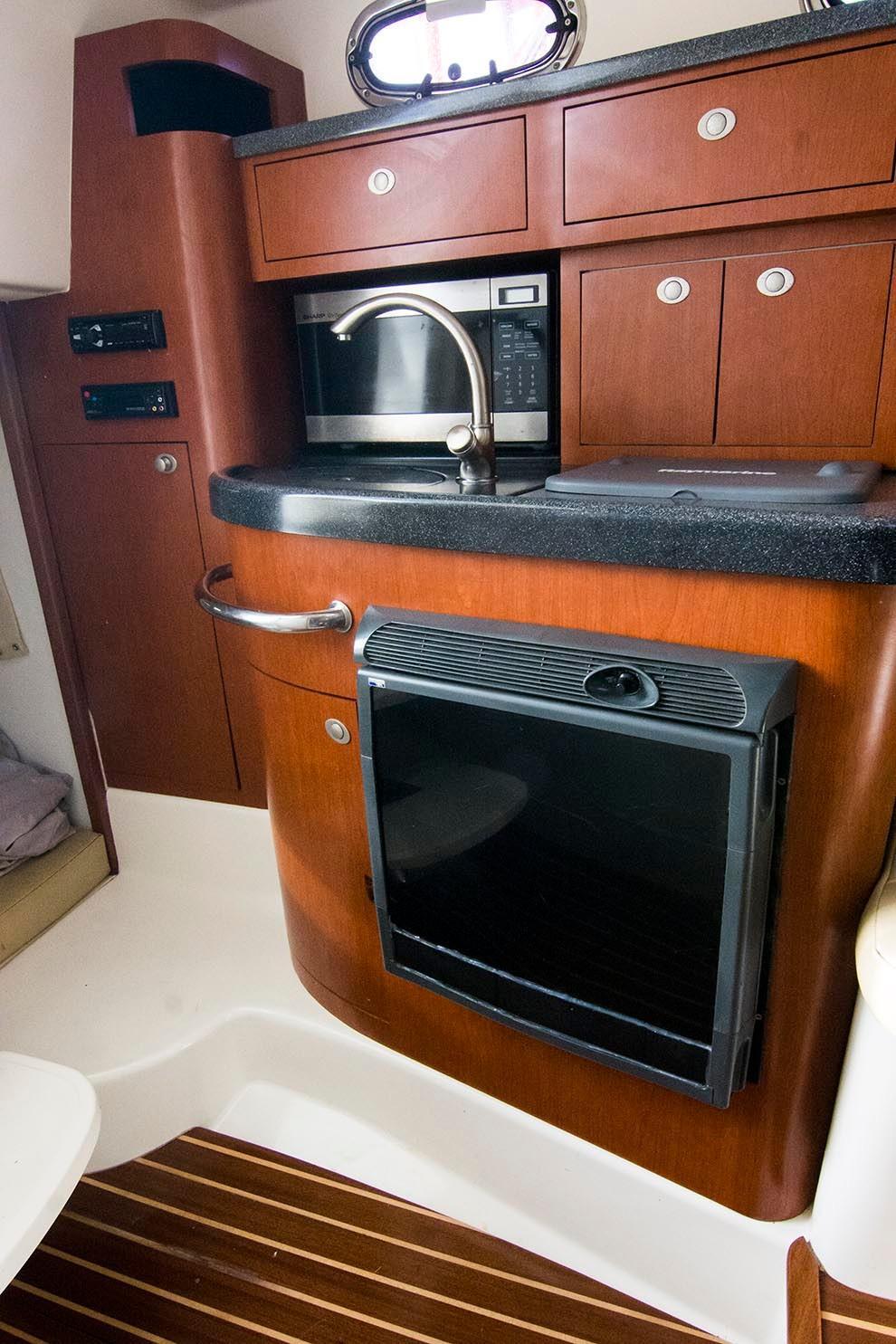 Boston Whaler 305 Conquest - Photo: #17