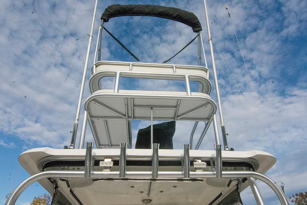 Boston Whaler 305 Conquest - Photo: #9