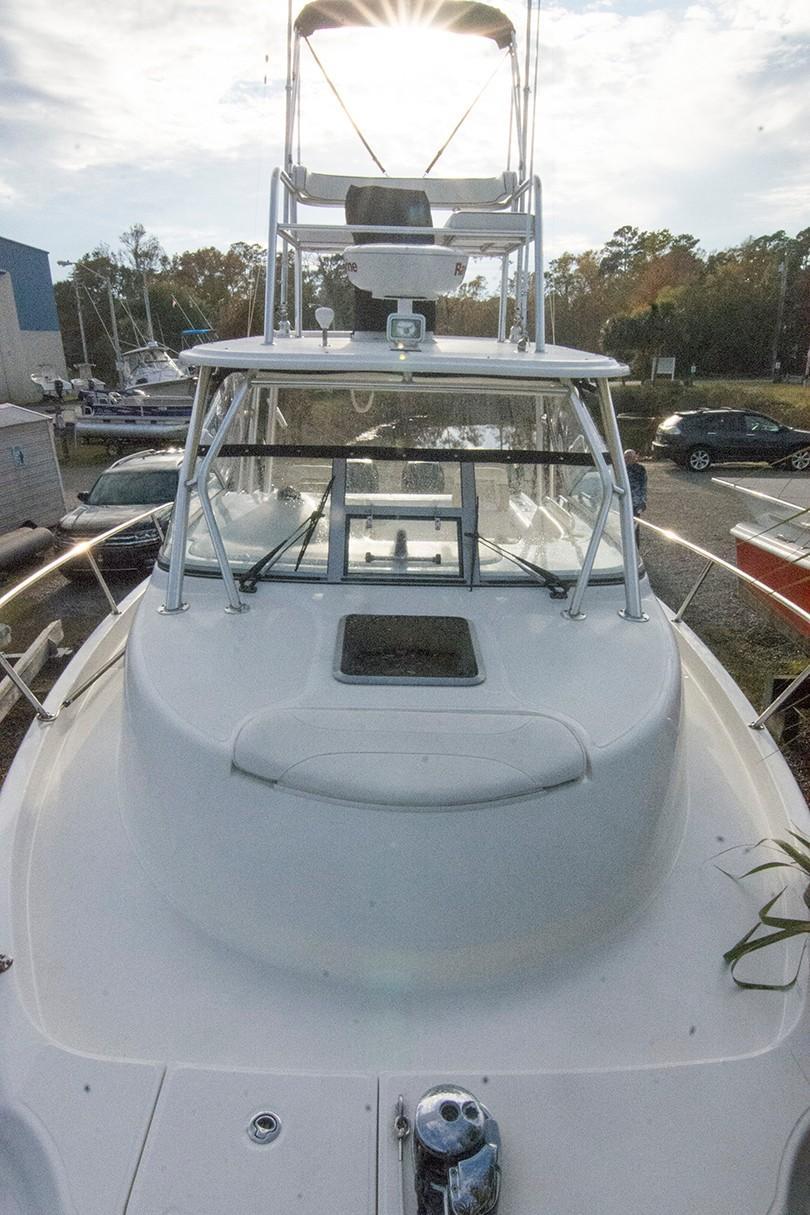 Boston Whaler 305 Conquest - Photo: #8