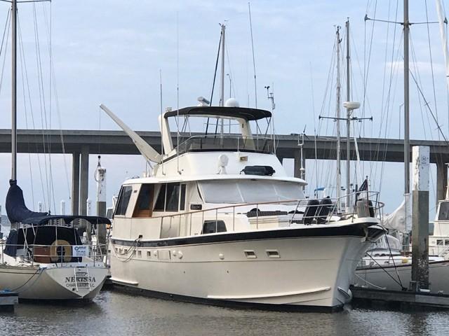 Hatteras 53 Motor Yacht - Dockside