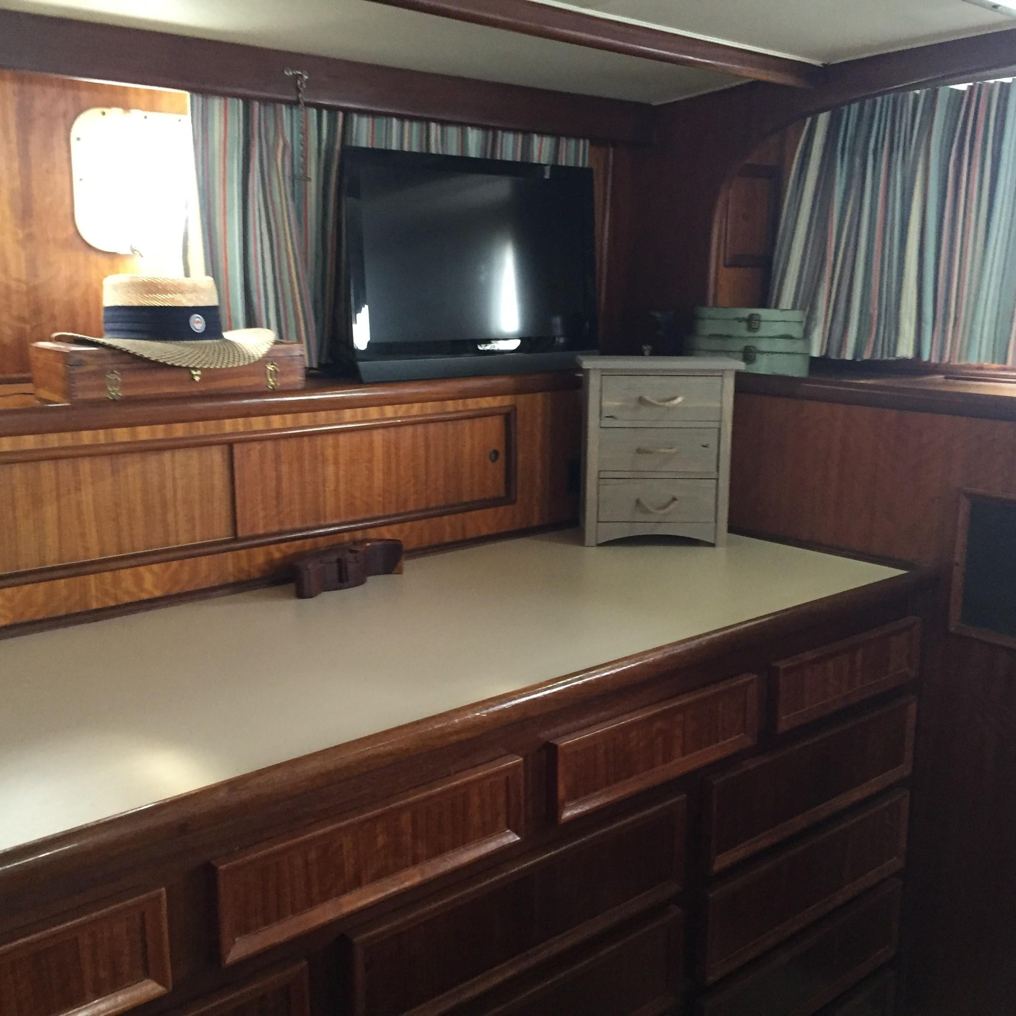 Hatteras 53 Motor Yacht - Vanity in MSR