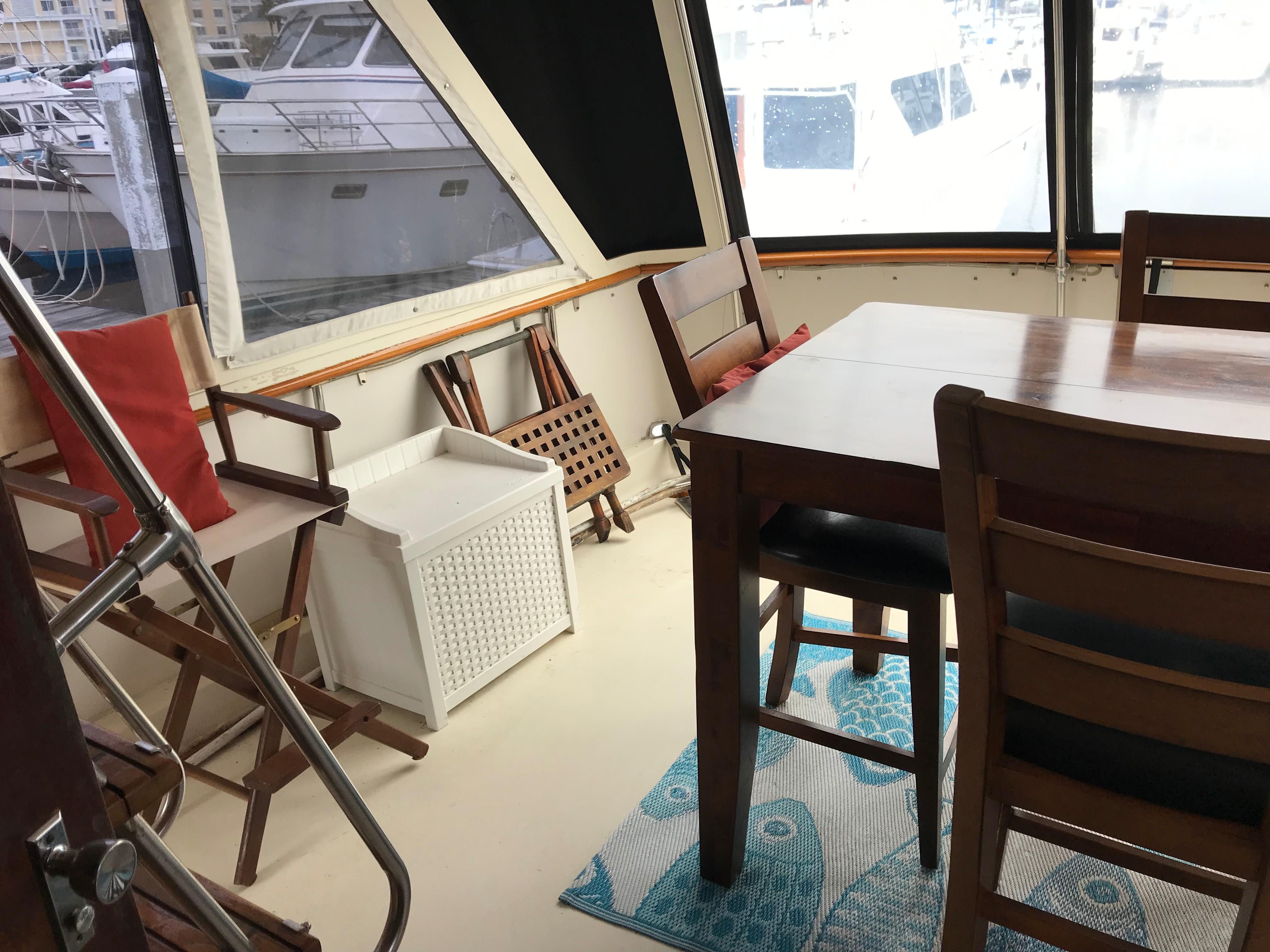 Hatteras 53 Motor Yacht - Aft Deck to starboard