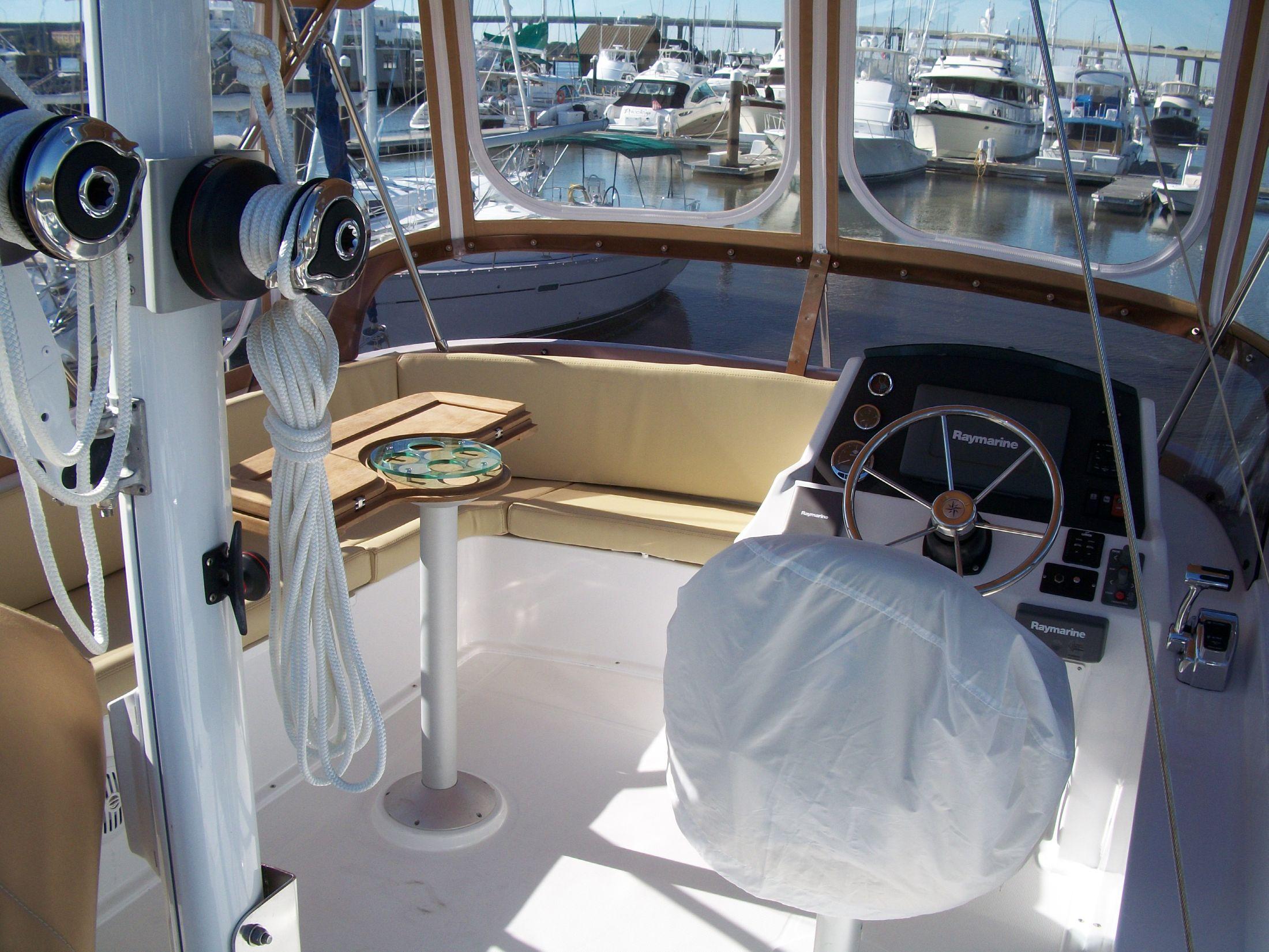 Bridge deck and helm