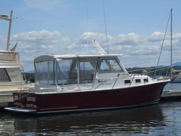 Albin 27 Express Bow Thruster Sports Cruiser. Listing Number: M-3598985