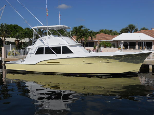 Hatteras Flybridge Convertible Convertible Boats. Listing Number: M-3328991