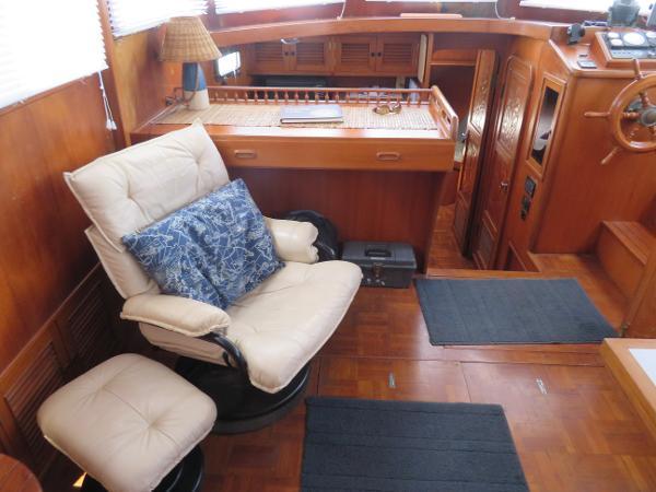 Marine Trader 38 Purchase Broker
