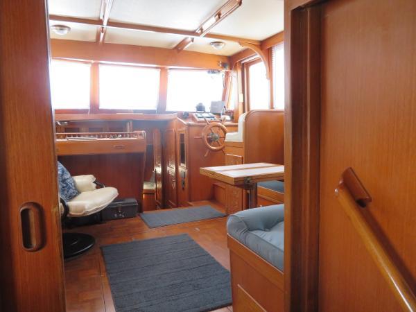 Marine Trader 38 Broker Massachusetts