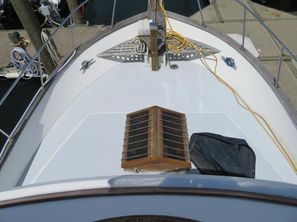Marine Trader 38 Sell Broker