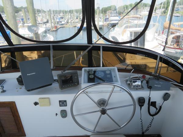Marine Trader 38 Sell Rhode Island