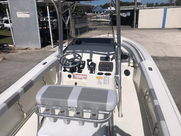 2019 Mako boat for sale, model of the boat is 214 CC & Image # 111 of 112