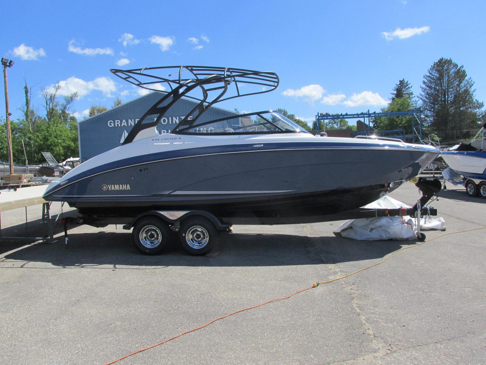 Yamaha Boats242 Limited S