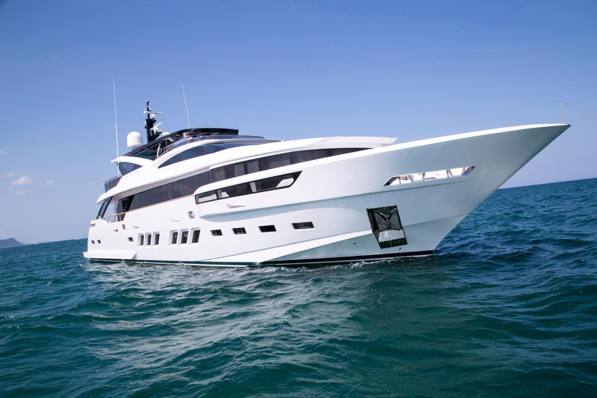 Manufacturer Provided Image: Dreamline 34 Hull