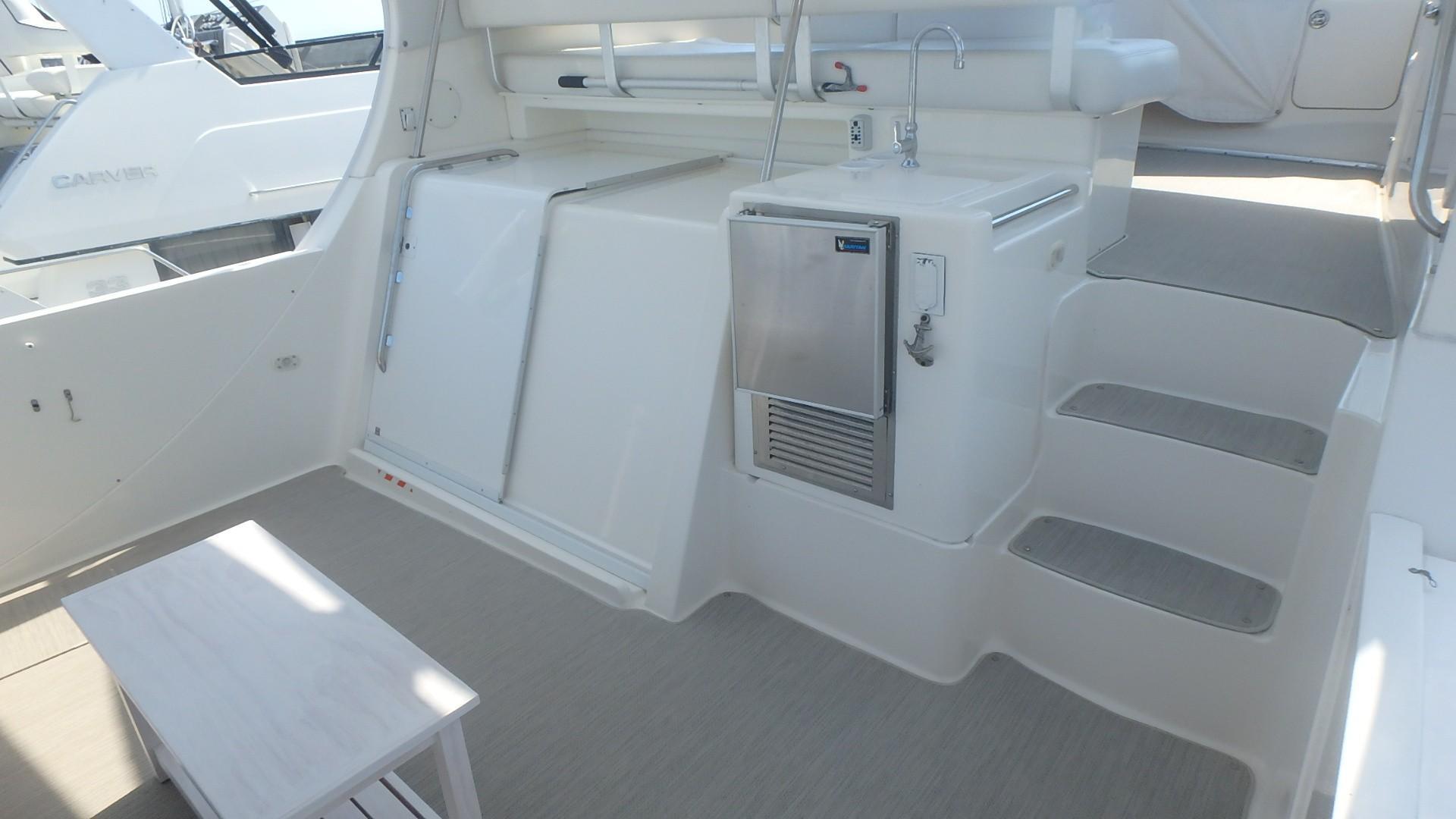 Silverton 35 Motor Yacht - Ice Maker Steps
