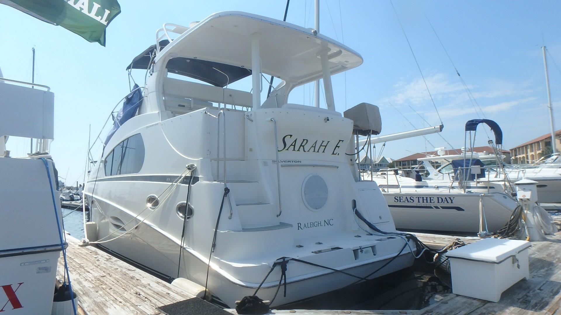 Silverton 35 Motor Yacht - Transom 2