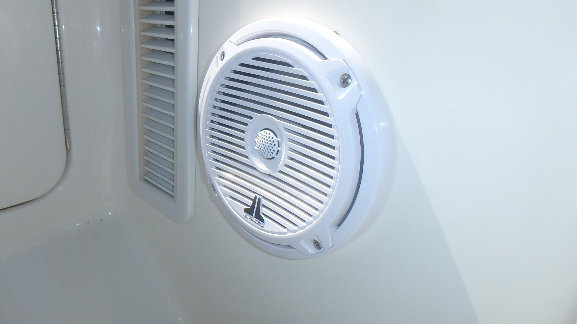 Silverton 35 Motor Yacht - New Speakers