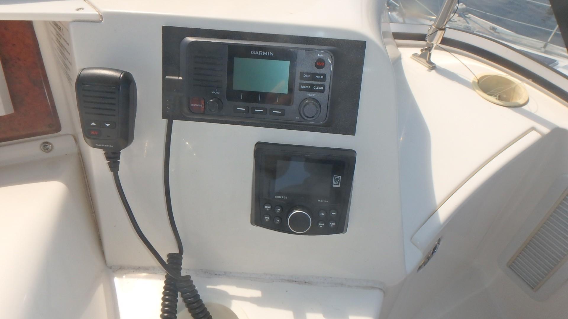 Silverton 35 Motor Yacht - New Garmin VHF