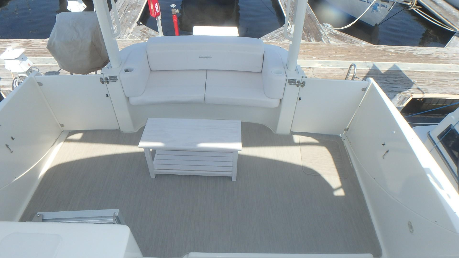 Silverton 35 Motor Yacht - Upper Deck Seating