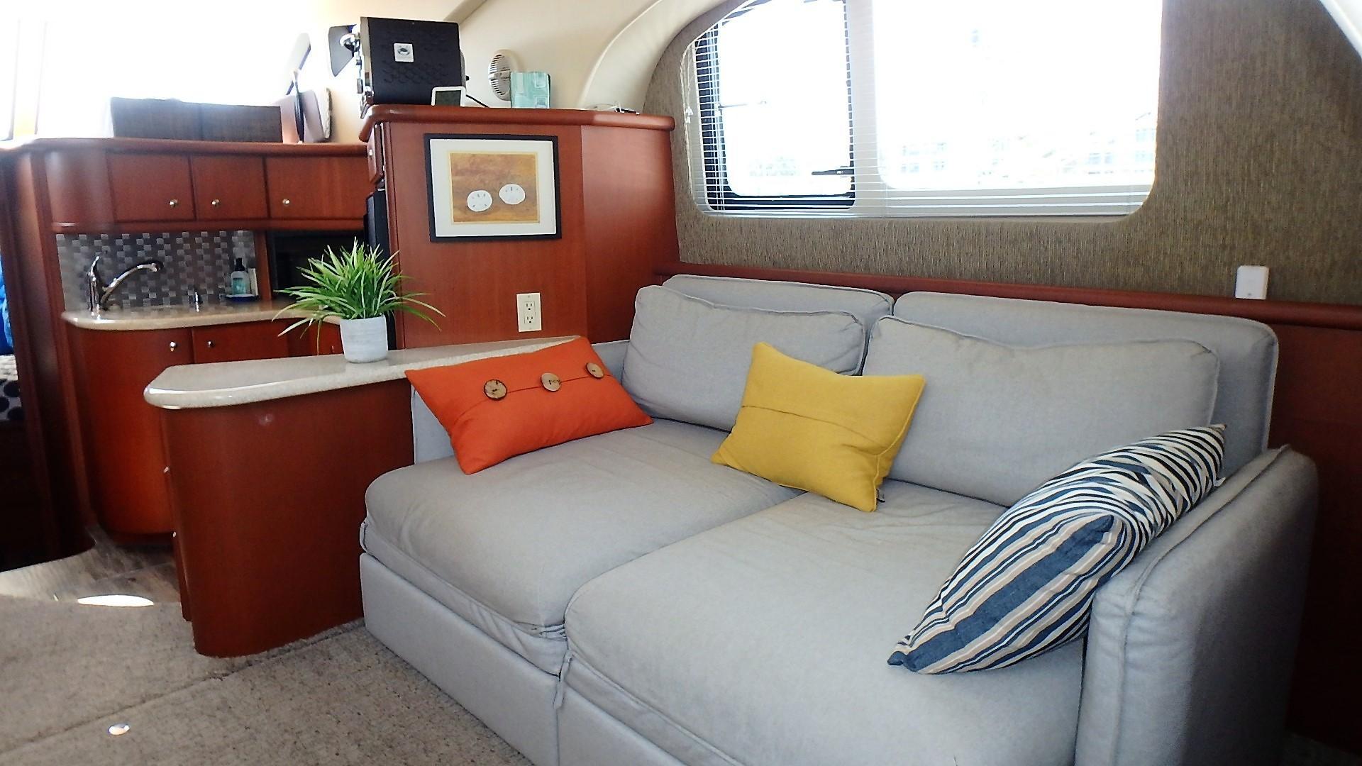 Silverton 35 Motor Yacht - Salon 2