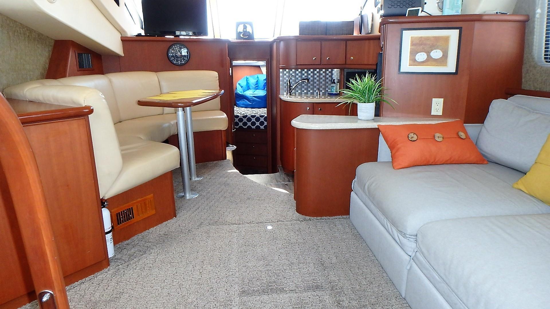 Silverton 35 Motor Yacht - Salon 1