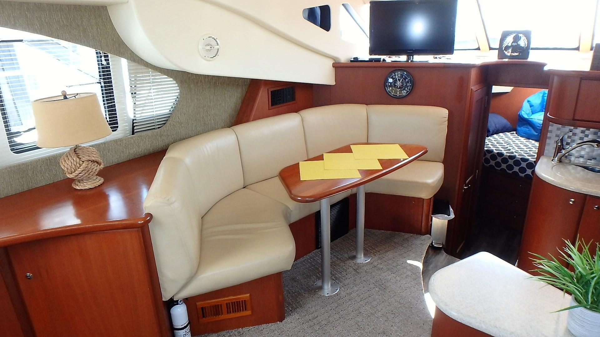 Silverton 35 Motor Yacht - Dinette 1
