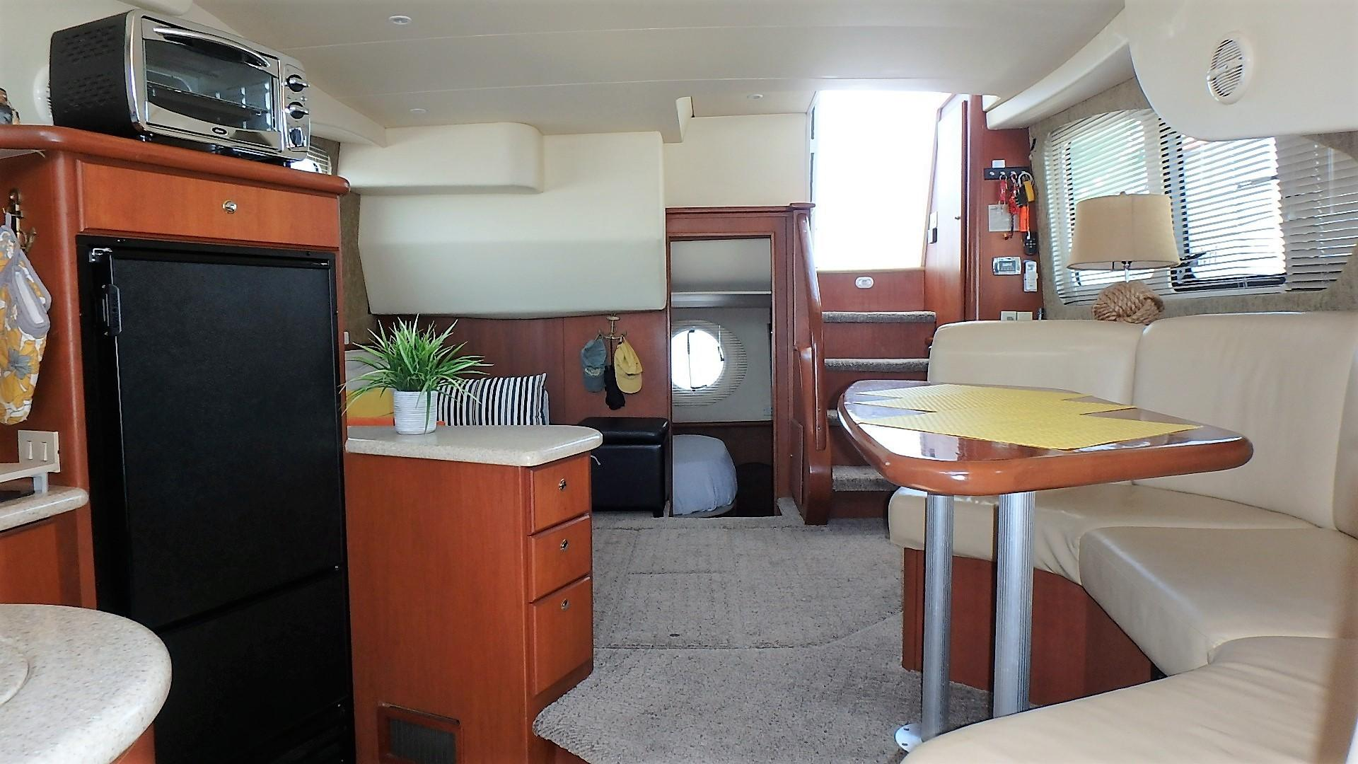 Silverton 35 Motor Yacht - Cabin Picture