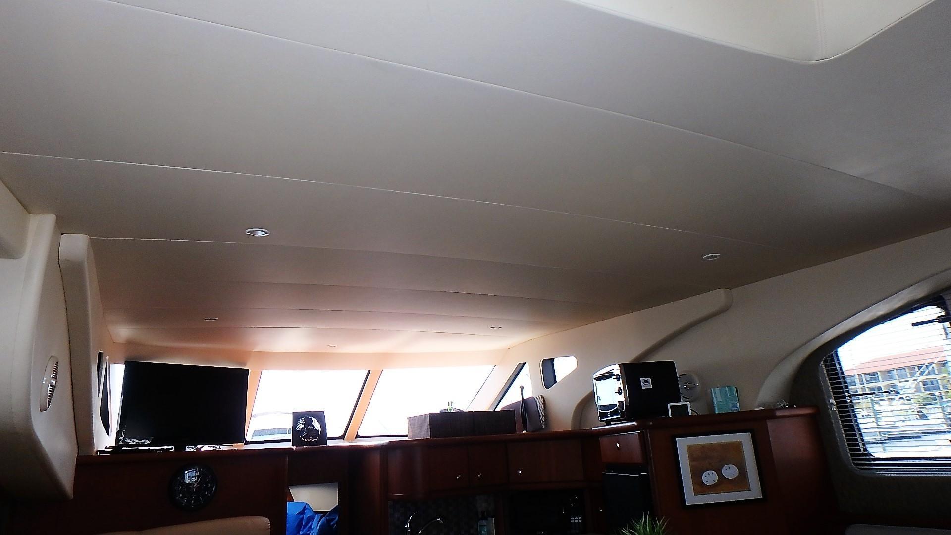 Silverton 35 Motor Yacht - Salon Headliner