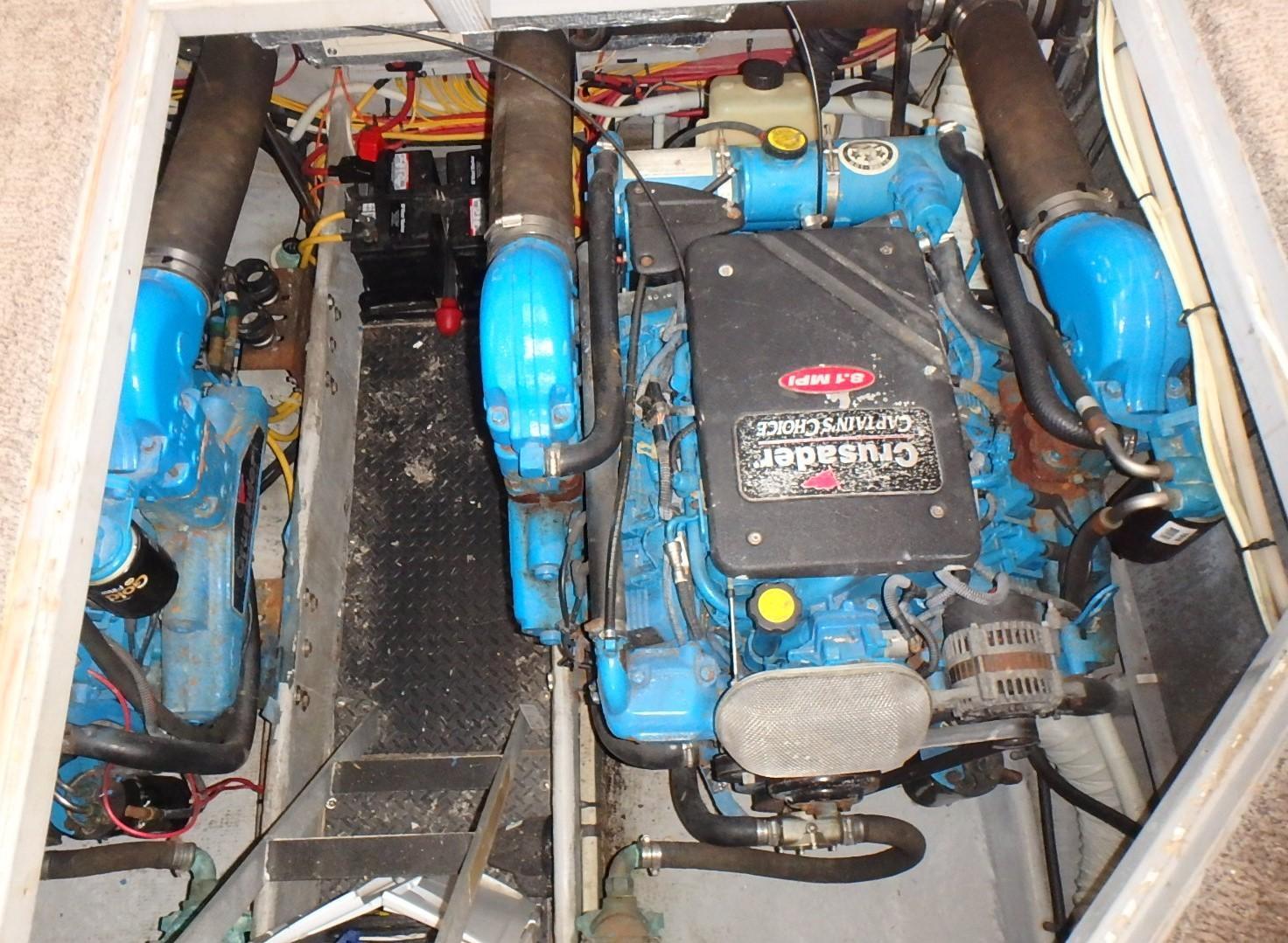 Silverton 35 Motor Yacht - Engine 5