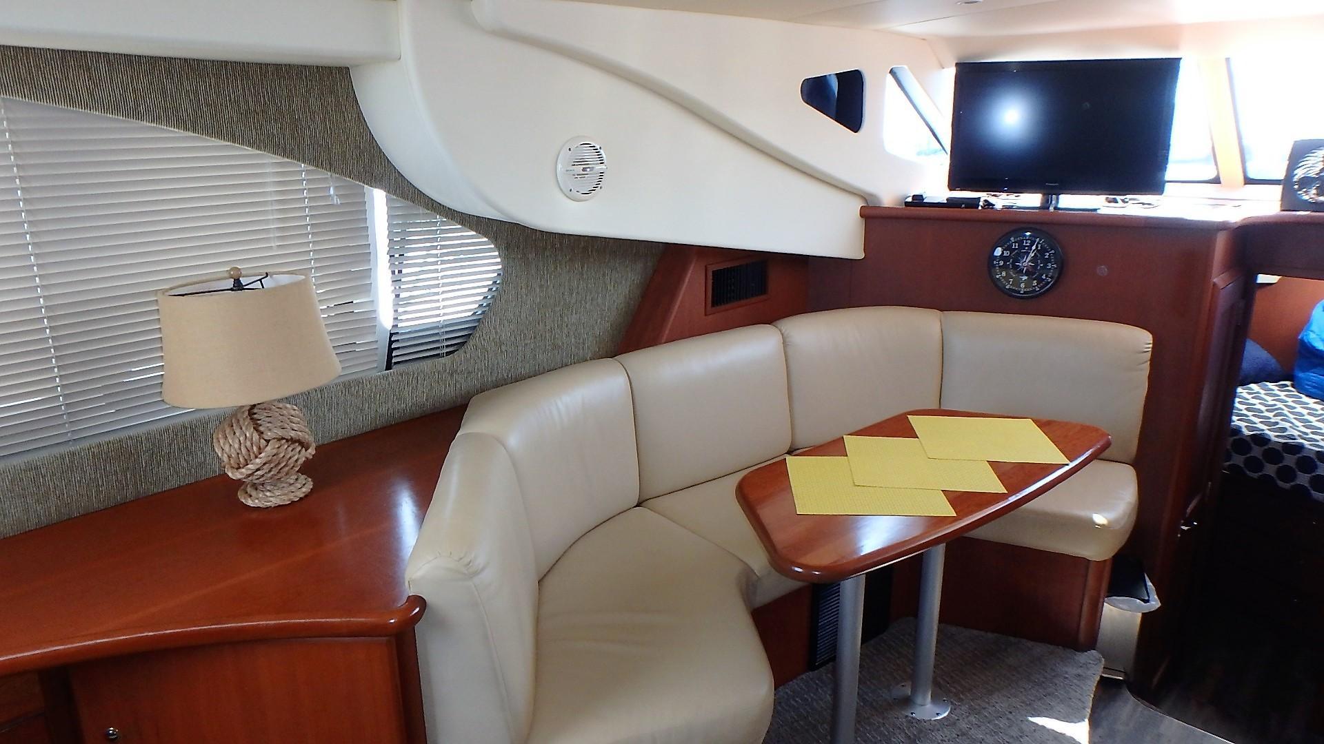 Silverton 35 Motor Yacht - Dinette 2