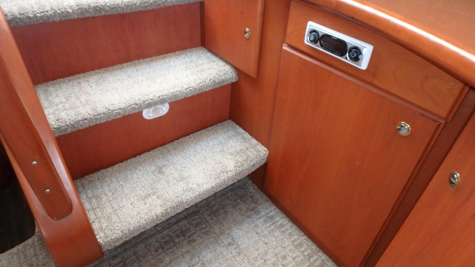 Silverton 35 Motor Yacht - Companionway Stereo