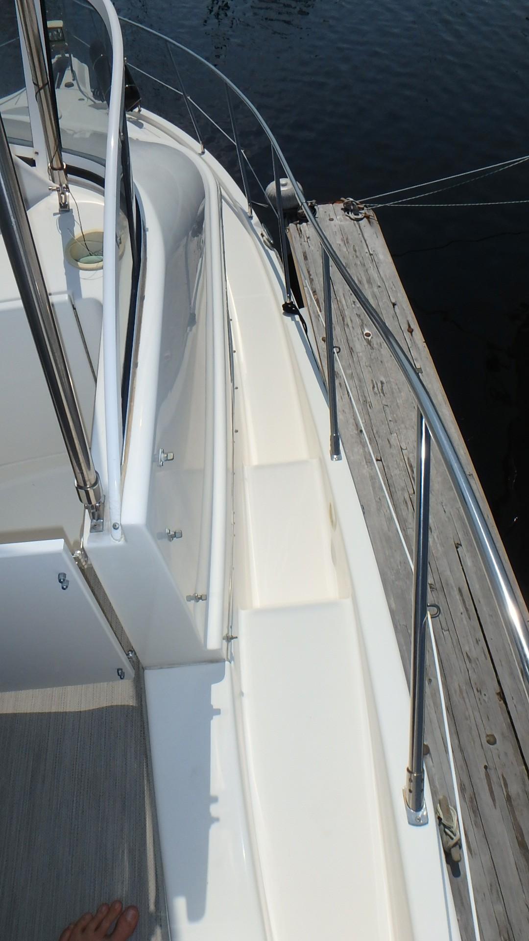 Silverton 35 Motor Yacht - Bow Access 2