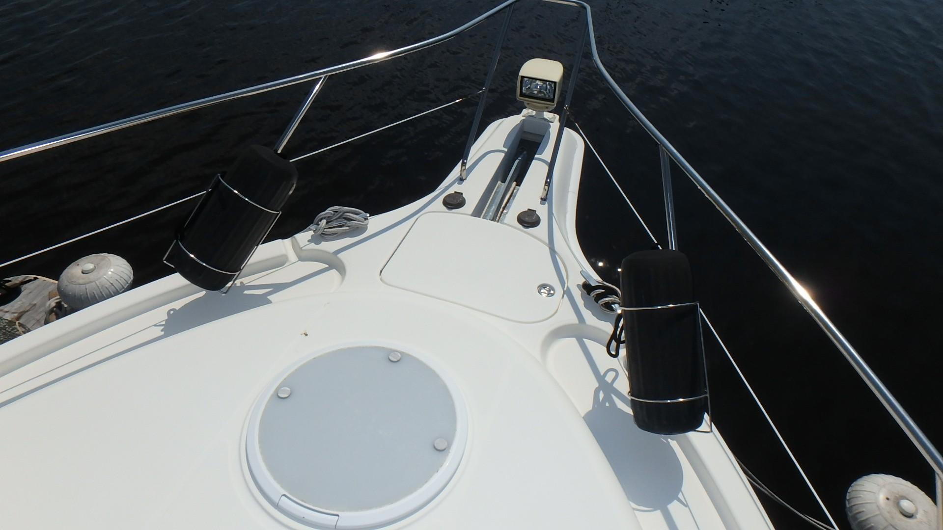 Silverton 35 Motor Yacht - Bow 2