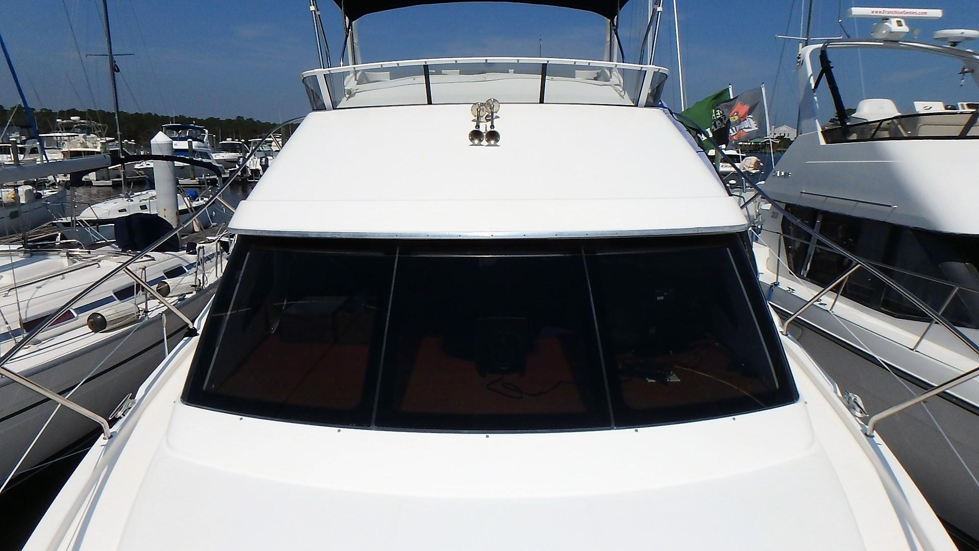 Silverton 35 Motor Yacht - Bow 3