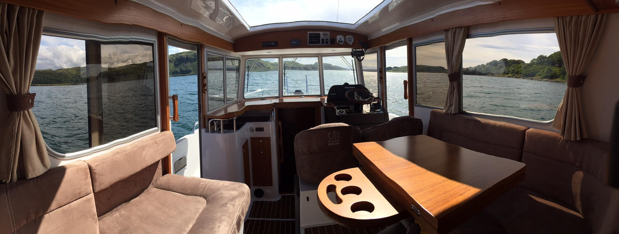 Minor Offshore 31 for sale - wheelhouse