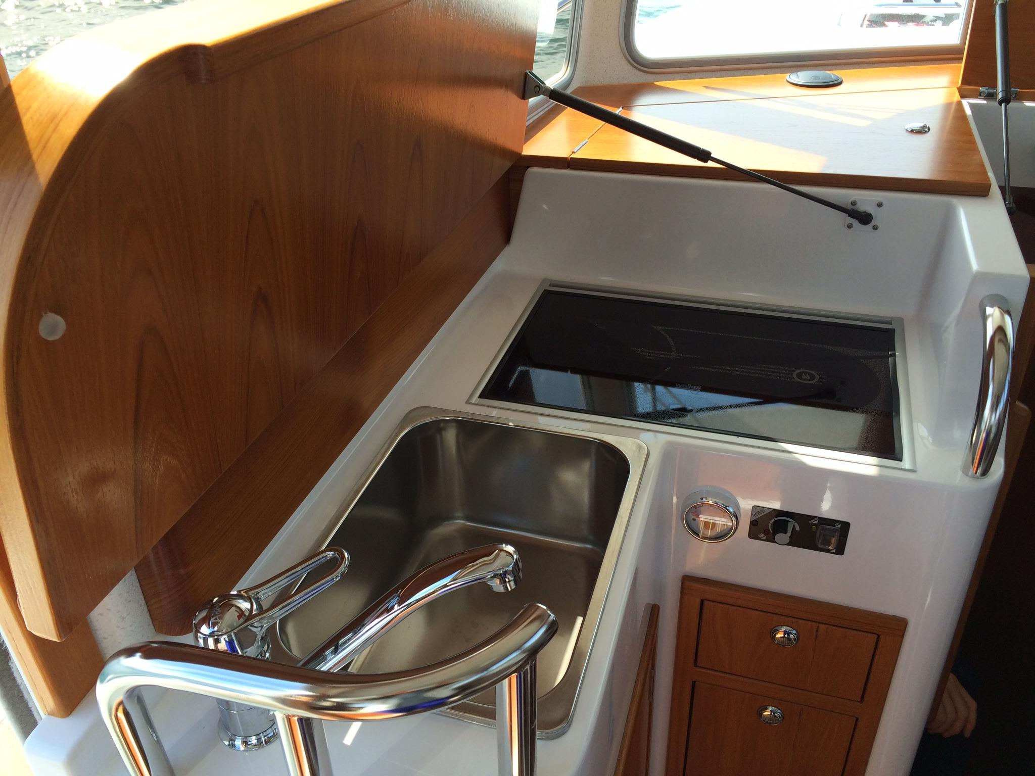 Minor Offshore 31 for sale - galley top