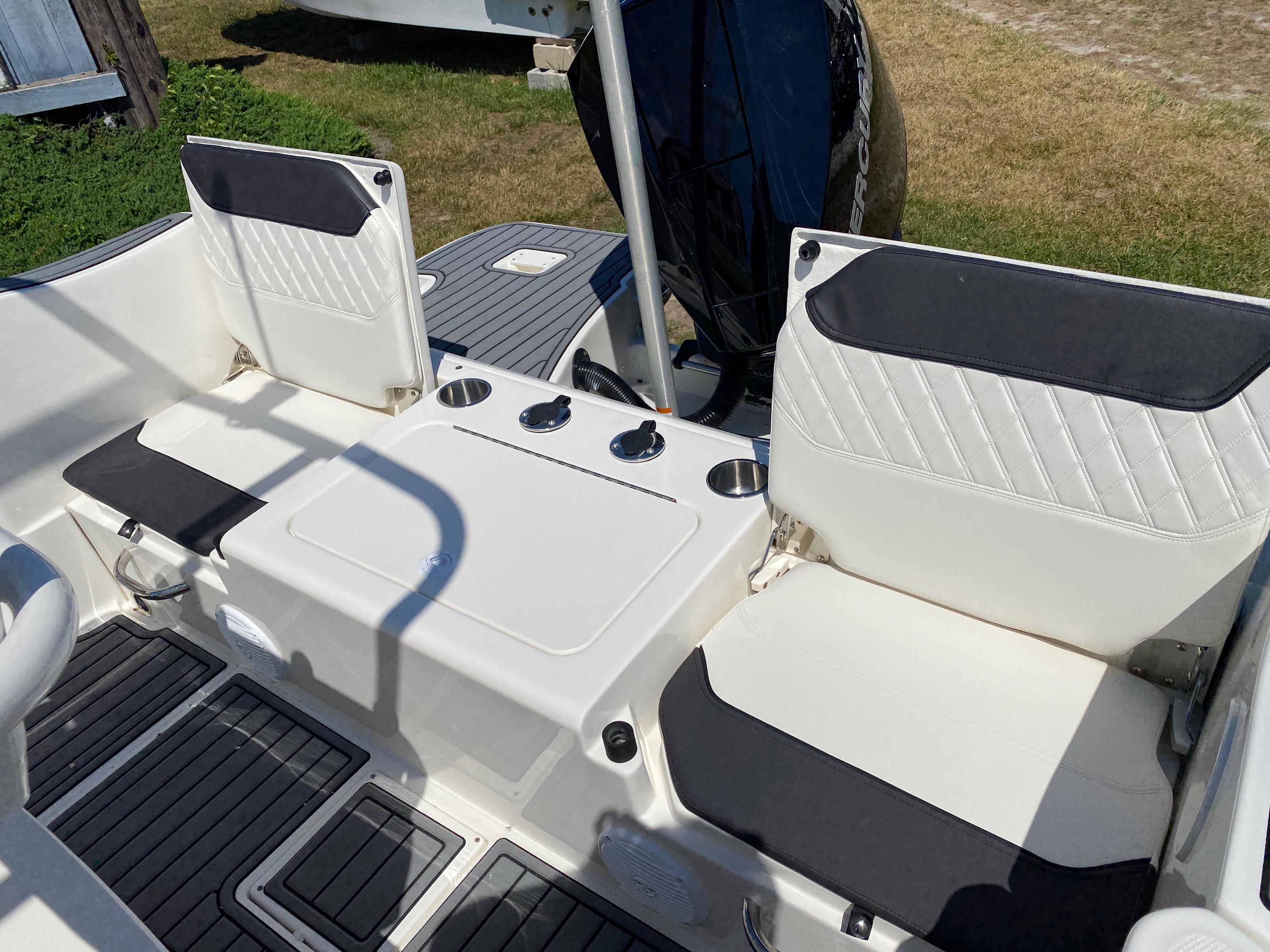 2020 Bayliner boat for sale, model of the boat is Trophy 22CC & Image # 3 of 17