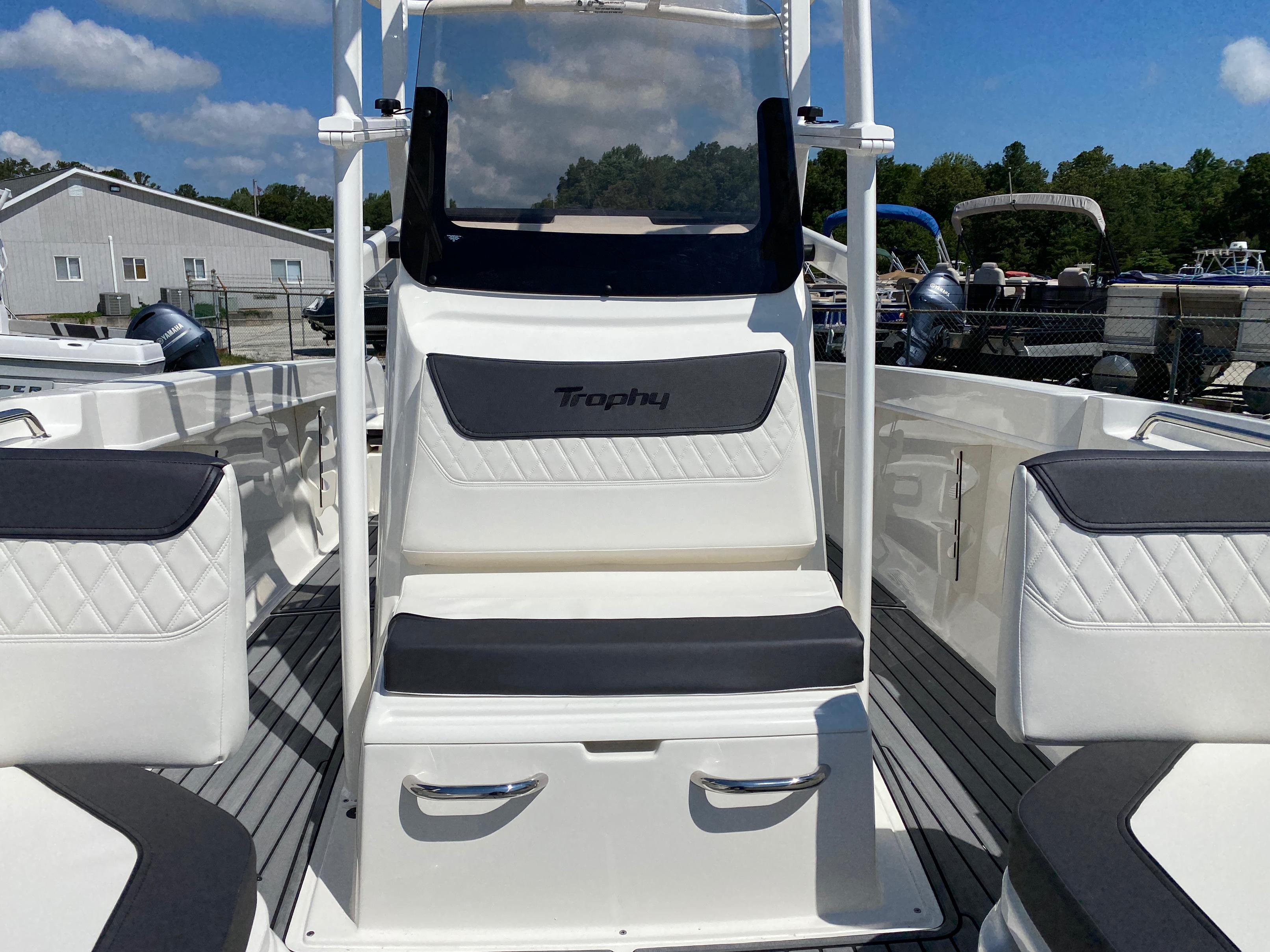 2020 Bayliner boat for sale, model of the boat is Trophy 22CC & Image # 14 of 17