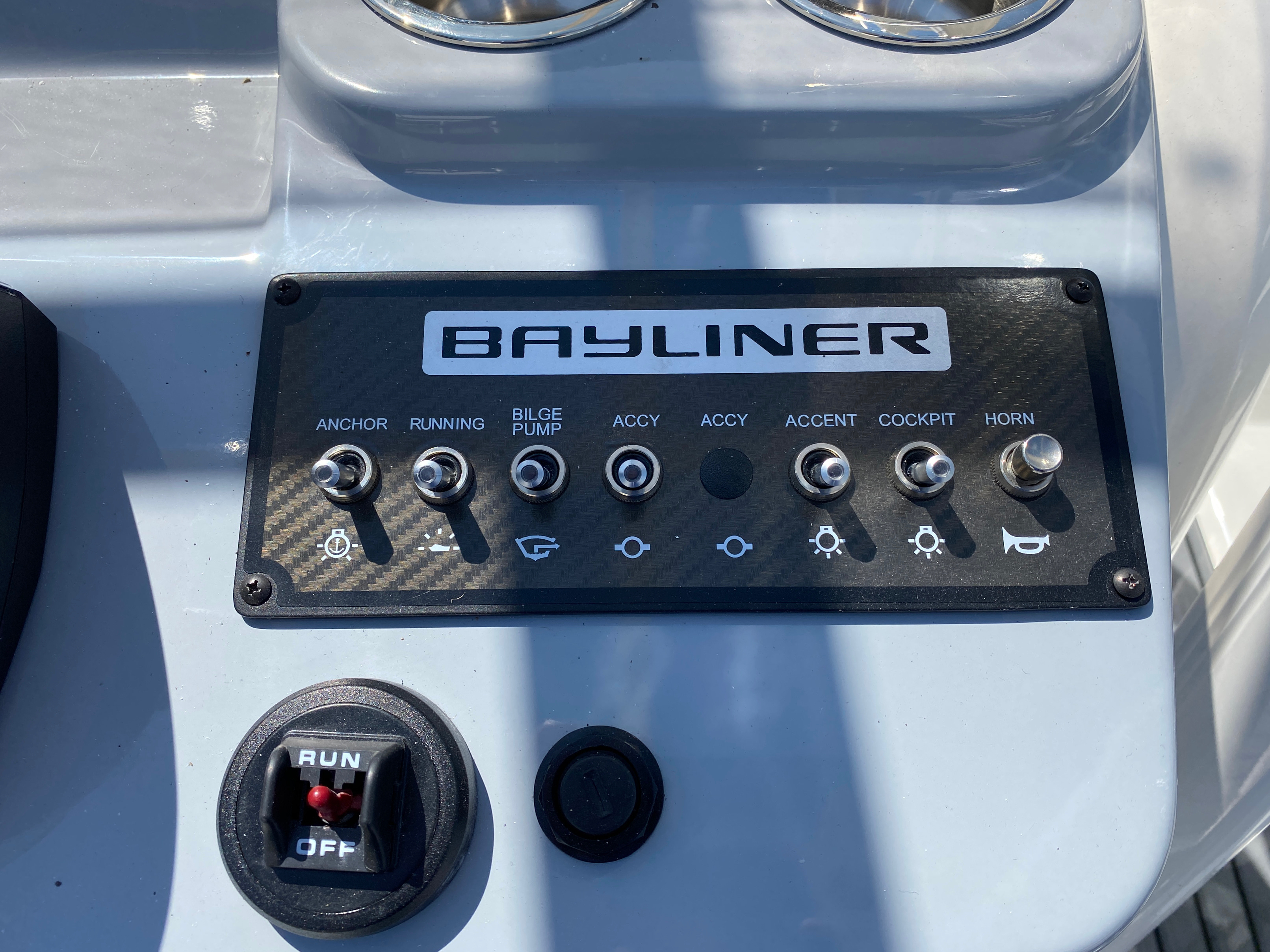2020 Bayliner boat for sale, model of the boat is Trophy 22CC & Image # 17 of 17