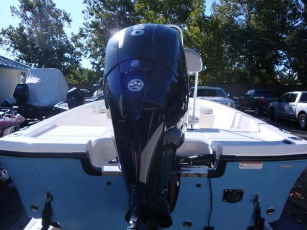 2018 Mako boat for sale, model of the boat is 19 CPX & Image # 5 of 11