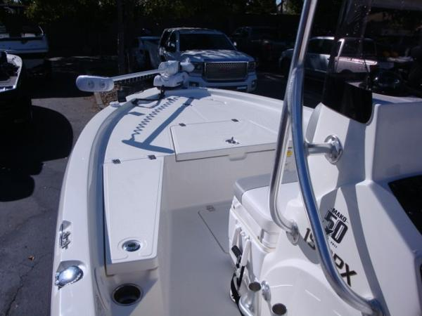 2018 Mako boat for sale, model of the boat is 19 CPX & Image # 7 of 11