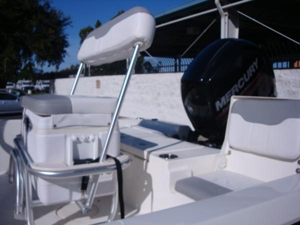 2018 Mako boat for sale, model of the boat is 19 CPX & Image # 8 of 11