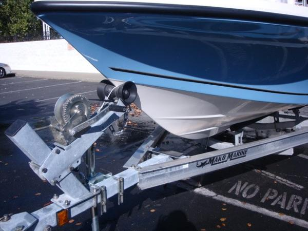2018 Mako boat for sale, model of the boat is 19 CPX & Image # 11 of 11