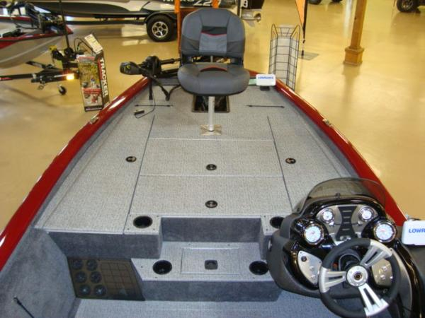 2021 Tracker Boats boat for sale, model of the boat is Pro Team™ 195 TXW Tournament Ed. & Image # 9 of 16